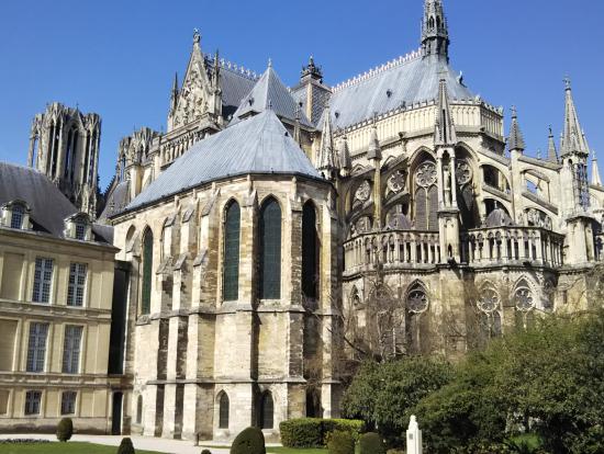 世界遺産のノートルダム大聖堂