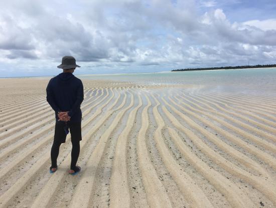 360度海の中にうかぶ自然の造形が素晴らしいロングビーチ