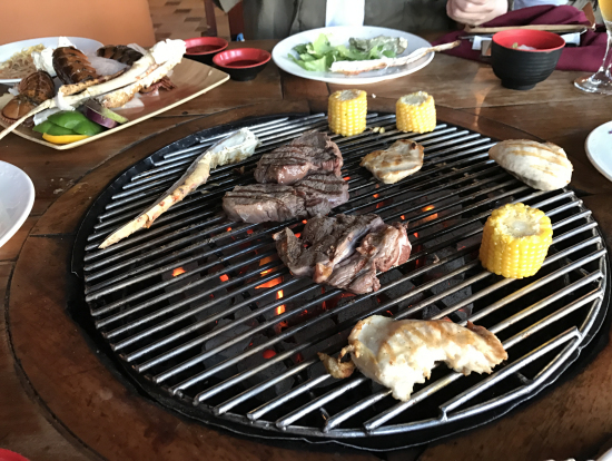 ボリュウム満点、牛、トリ、海鮮、野菜