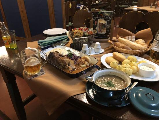 ツアー終了後にチェコ料理のおすすめランチ