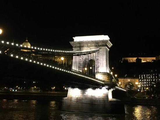 くさり橋のライトアップ