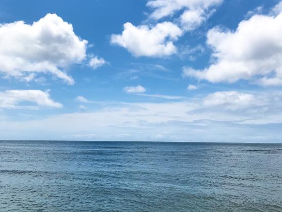 ノースショアのビーチも6月は穏やかでした