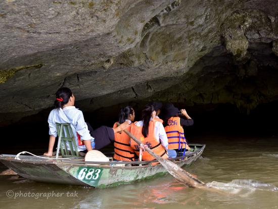 タムコック  ベトナムの修学旅行の女生徒たち