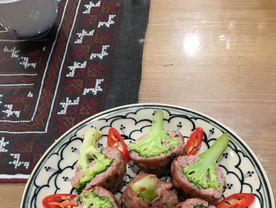 ブロッコリーのひき肉包み