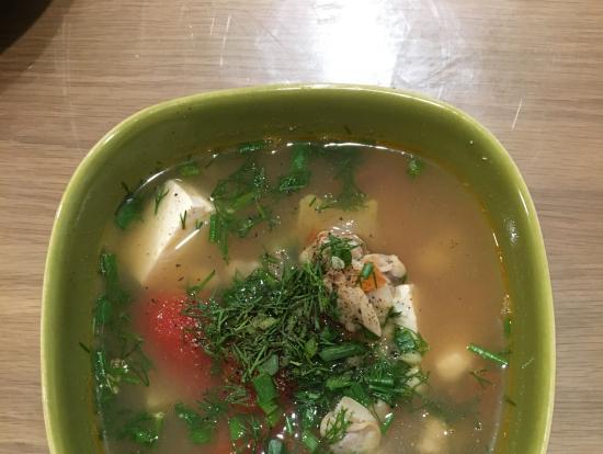 貝とトマトのスープ