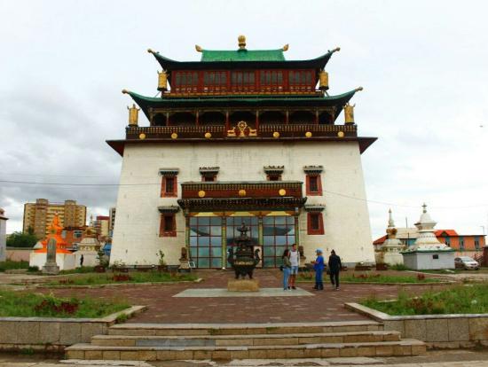 次の日に行ったガンダン寺。