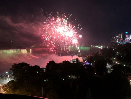 ホテルのレストランから花火が良く見えました。