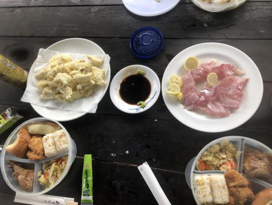魚の天ぷらもこしらえてくれました。