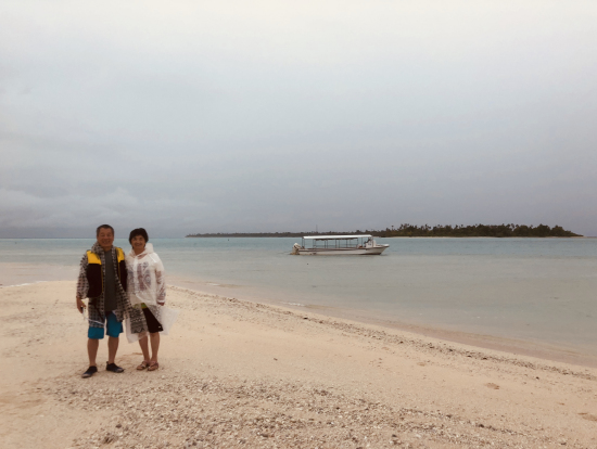 天候が悪くてもカヤンゲル環礁の素晴らしさは十分味わえる風景です。