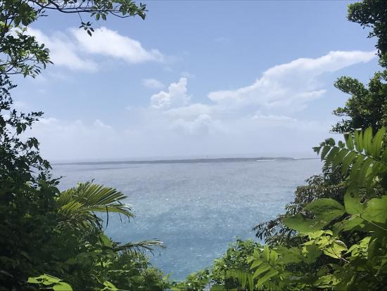 斎場御嶽から、久高島が綺麗に見えました(^_^)