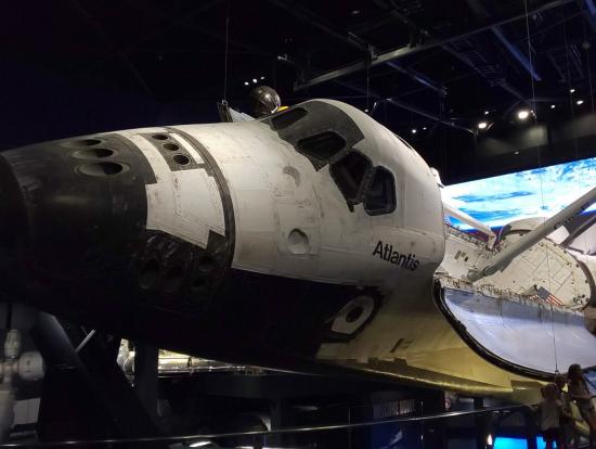 スペースシャトル登場が最高にカッコイイ演出です!
