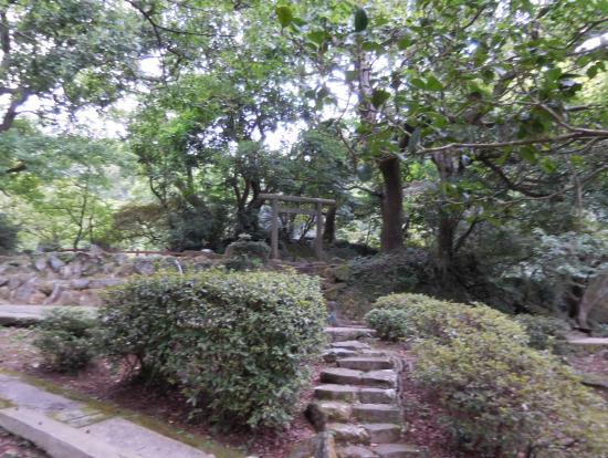陽明山国家公園内に残っている日本統治時代のものと思われる鳥居