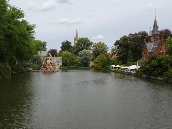 ブルージュの愛の湖公園