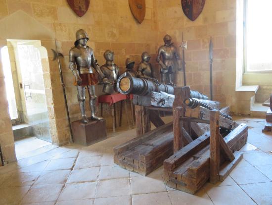 セゴビアのアルカサル内に展示してある甲冑