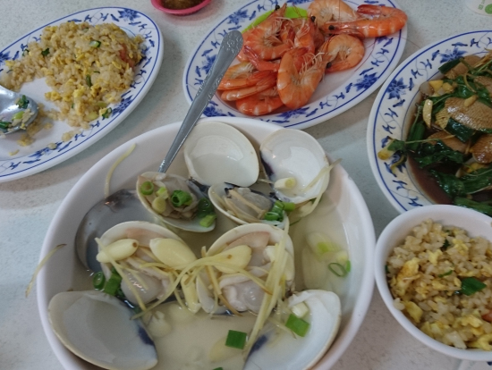 高雄観光では、旗津 Cijin の海鮮料理 を堪能。