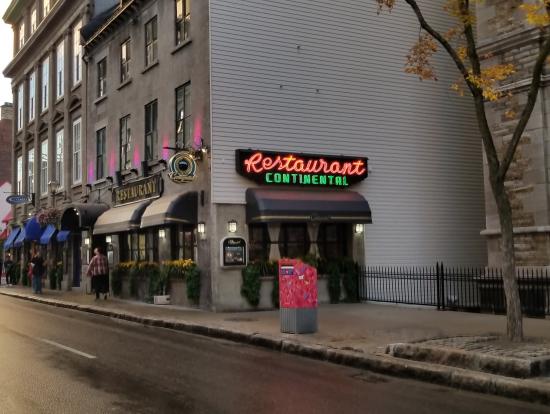ディナー会場のレストラン