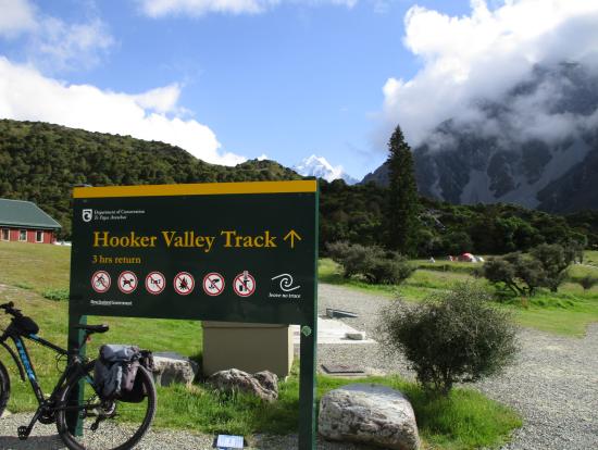 ハイキングに出発!