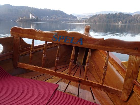 ボートからのマリア教会のながめ