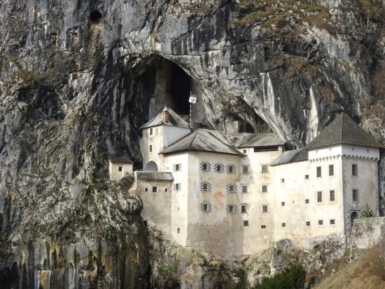 洞窟城の外からのながめ