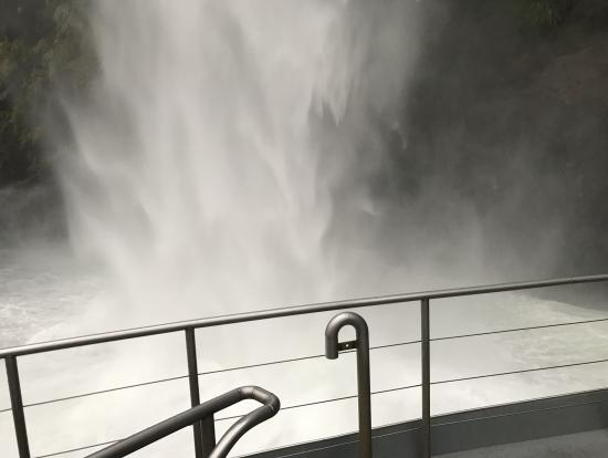 滝に接近中!