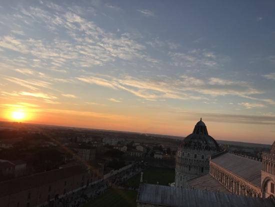 斜塔からの夕陽