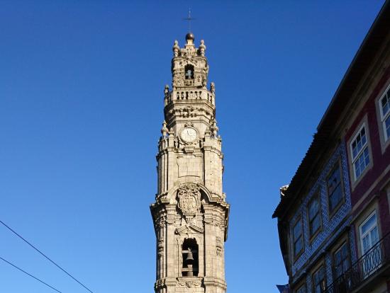 ポルトのタワー