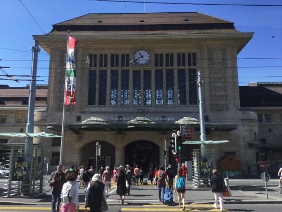 ローザンヌ駅舎