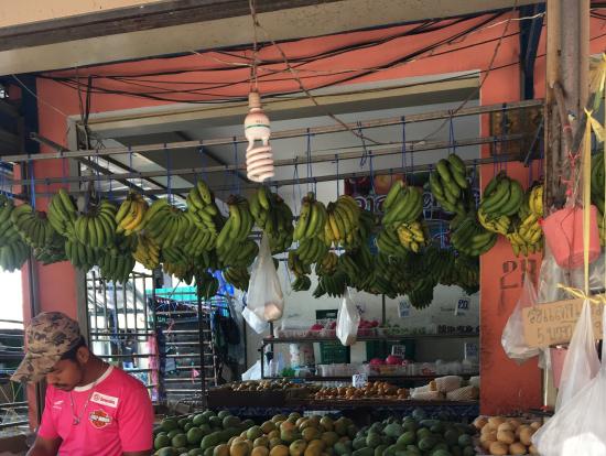 ピピ島の果物屋さん