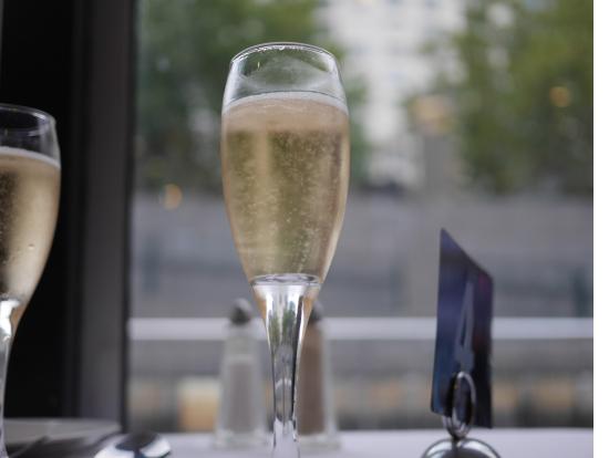 シャンペンで乾杯