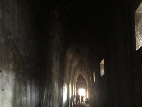 崩壊している外からは想像もつかないほど保存されていた回廊