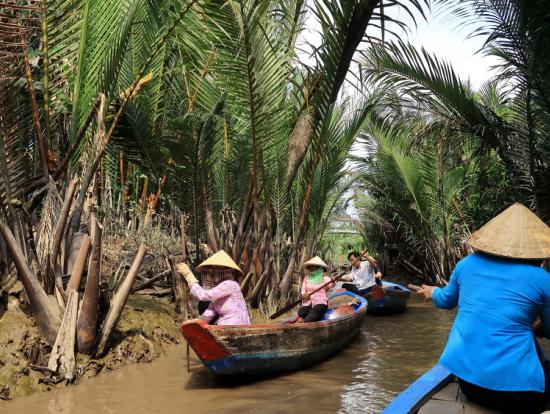 メコン川手漕ぎボート、チップは2万ドン程度が目安