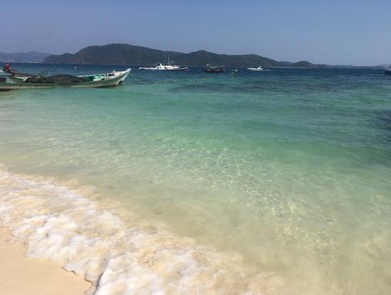 綺麗すぎる海