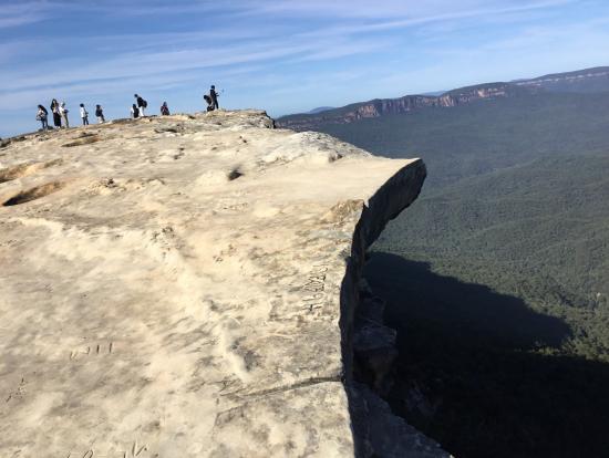 キングス・テーブルランド…断崖絶壁にフェンスもありません。