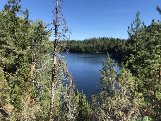 この美しい湖でカヌー