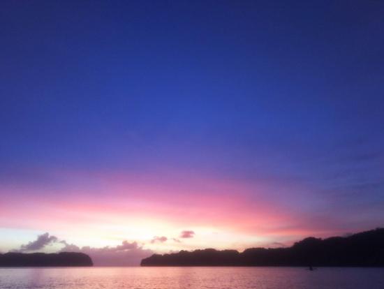 日が沈んだ後。ケータイで撮影。加工なし。