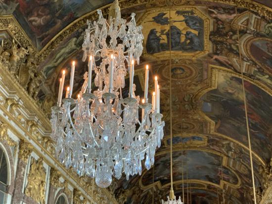 宮殿の中は圧巻です。ぜひ目で直接ご覧ください