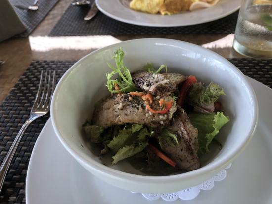 ランチのバリ風サラダ