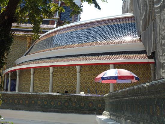 バンコク市内に行きか帰りでと組み込んだ寺院、渋滞も考えてうまく組み込んでくれました。