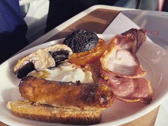 電車での朝食