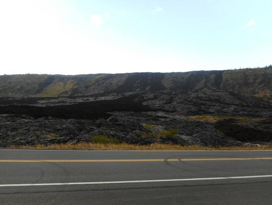 果てしなく続く溶岩台地