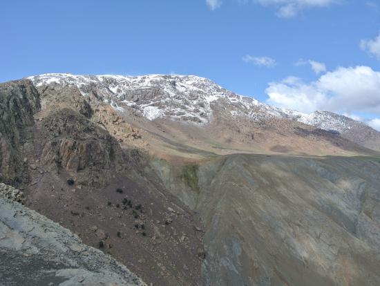 雄大なアトラス山脈、寒かった!