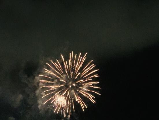 花火、日本に負けないくらい豪華でびっくり