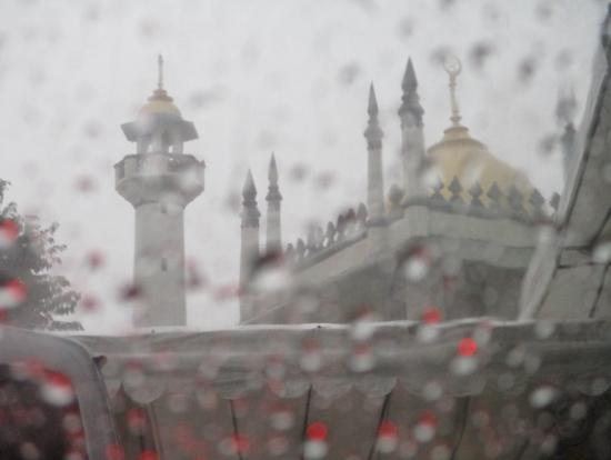 サルタン・モスク、トライショーに乗って