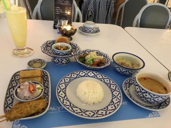 タイ料理のディナー