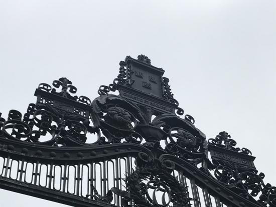 ハーバード大学正門?