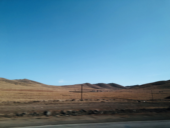 砂漠?!かと思ったのですが、夏には緑いっぱいになるんだそう
