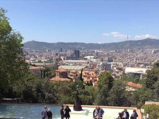 ミロ美術館館内から見たバルセロナ市街