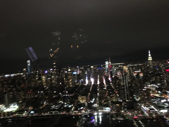 エンパイアステートビルもぴっかぴかに見えます。ニューヨークだ!!