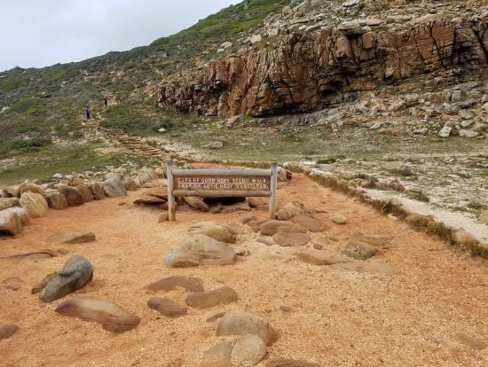喜望峰の丘への道