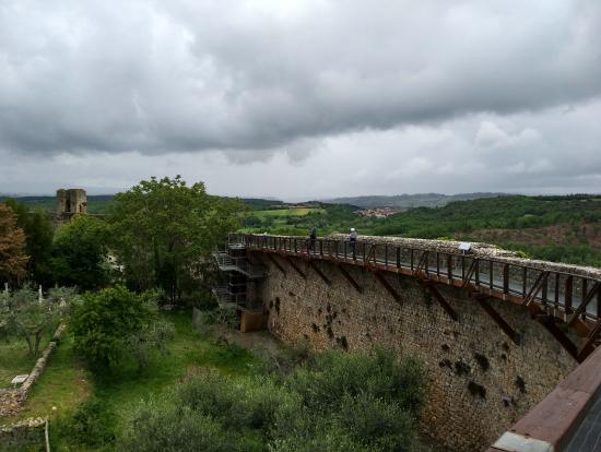 モンテリッジョーニの要塞の上から